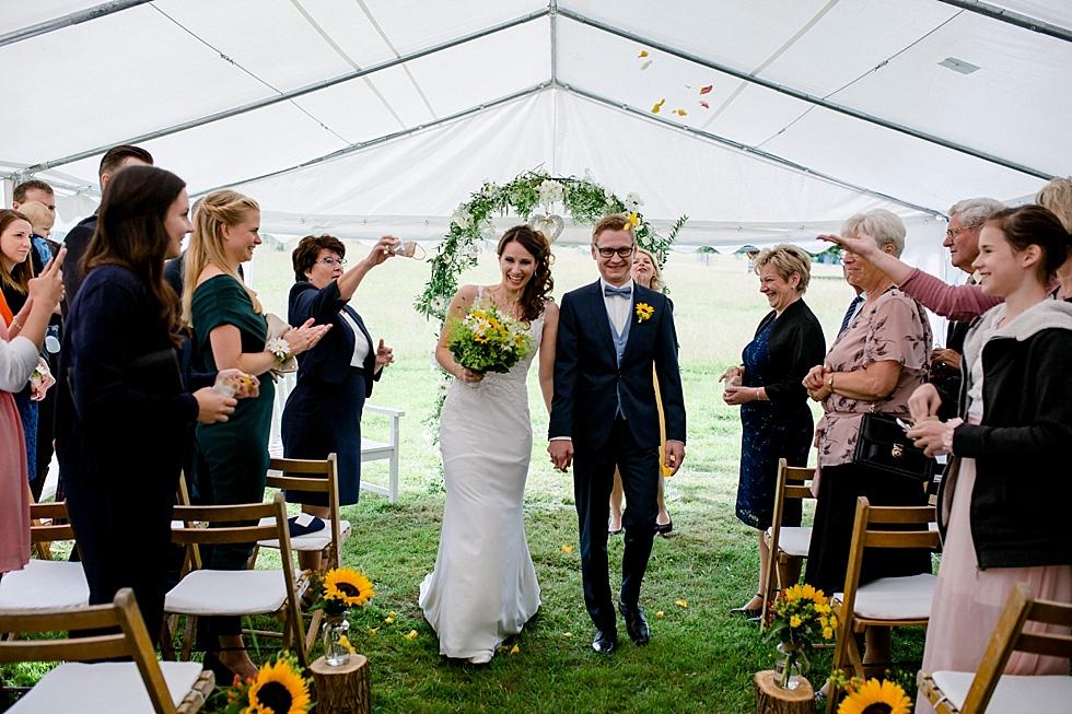 freie Trauung, Zelt, stilvolle Trauung, Heiraten im Haverbeckhof Bispingen - Jana Richter fotografie-43.jpg